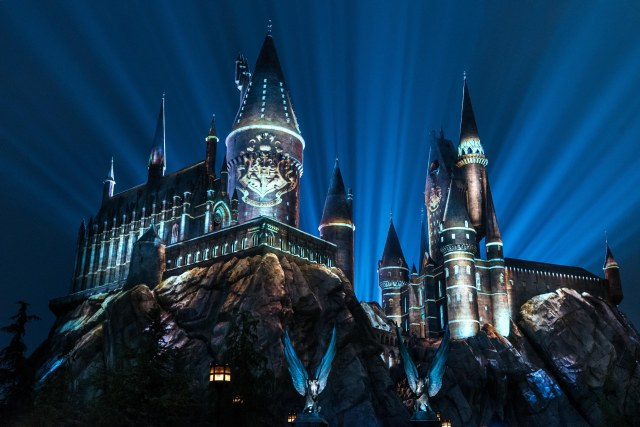 The Nighttime Lights at Hogwarts Castle_WWoHP at USH 2018